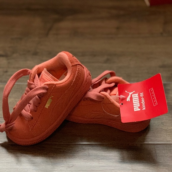 NWT Toddler size 5 coral pink puma suede sneakers 14458aba58f0